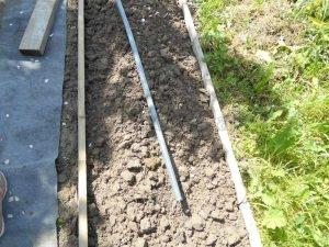 опоры для подвязки смородины