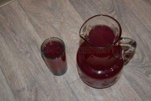 Клубнично - смородиновый компот