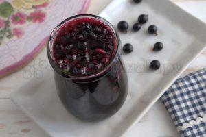 Варенье из черной смородины с пряностями