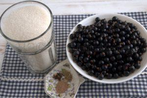 Ингредиенты для варенья с пряностями